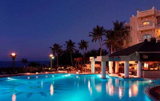 Grand Hyatt Muscat Swimming Pool