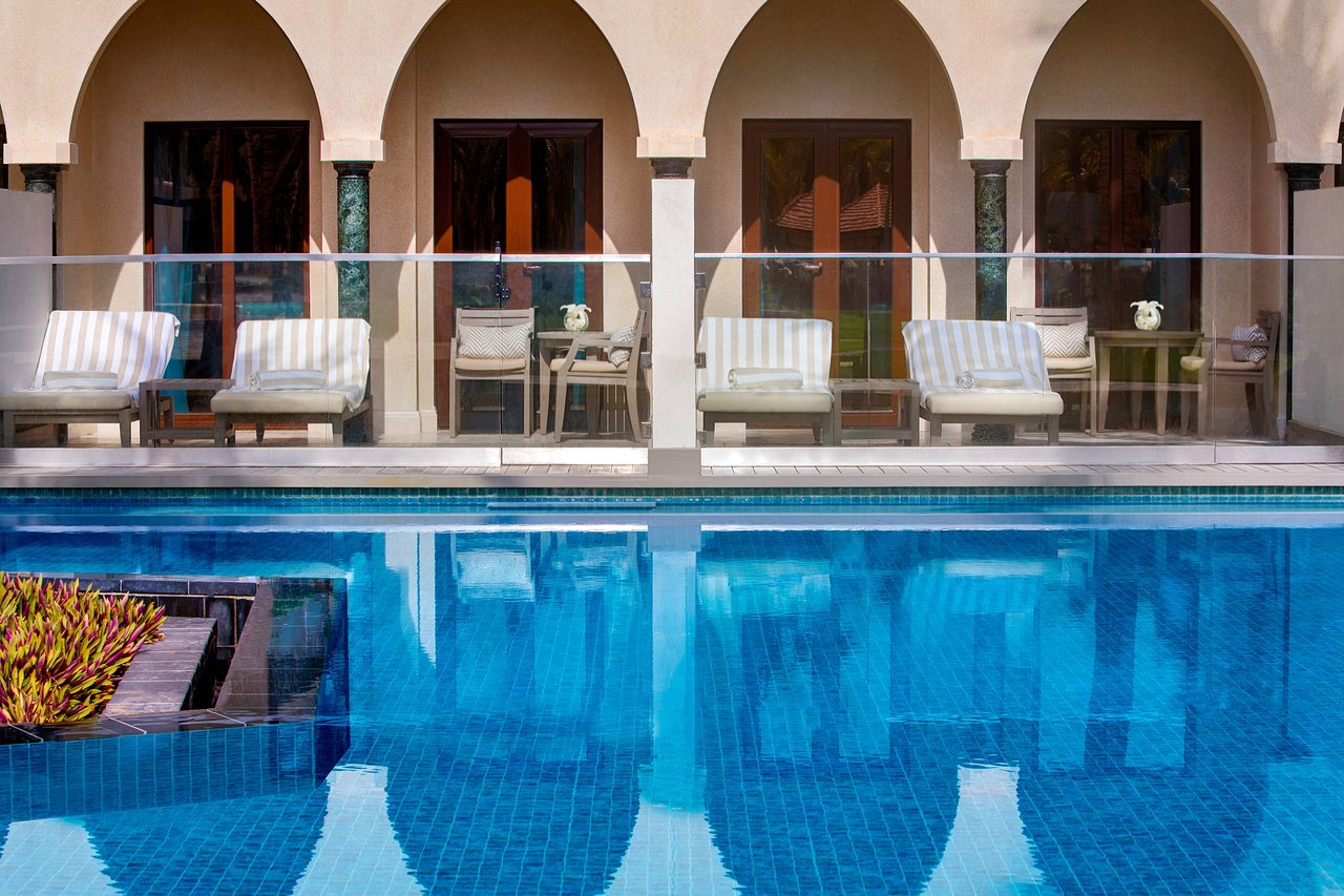Al Bustan Palace Swimming Pool