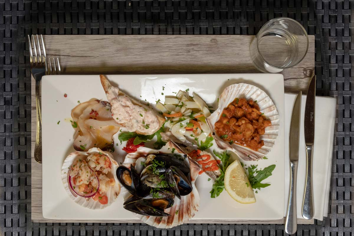 plate of shellfish
