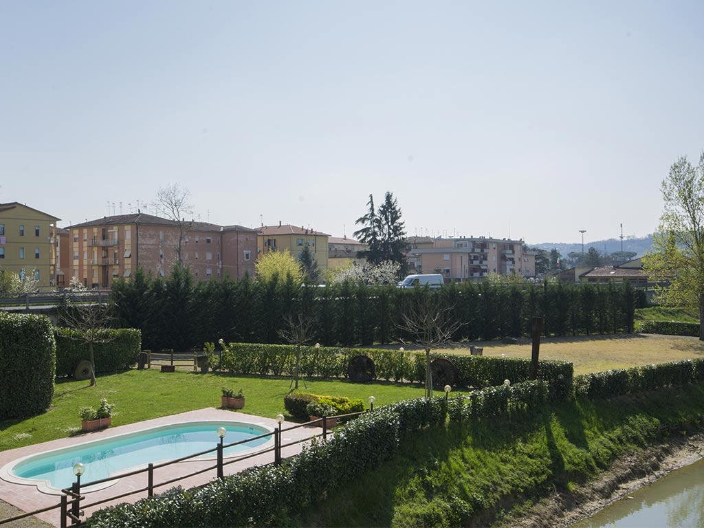 gardens with swimming pool Hotel Certaldo