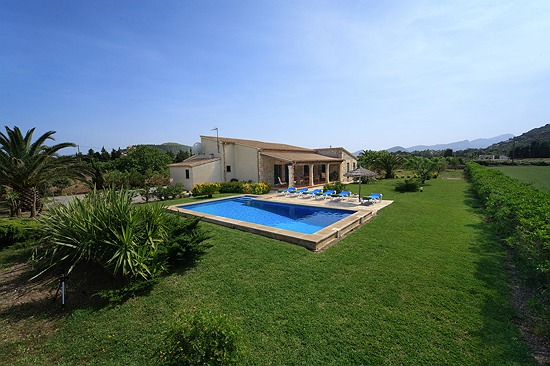 Swimming Pool and Garden Villa Pedra Vista