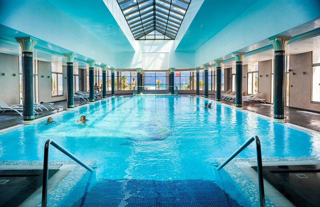 Concorde Green Park Palace Swimming Pool