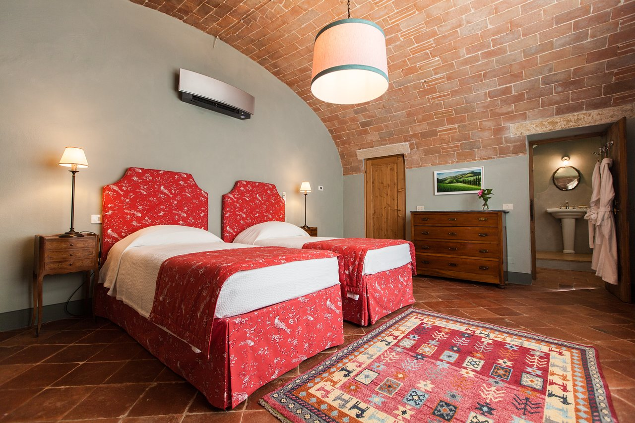 Borgo Pignano Twin Room