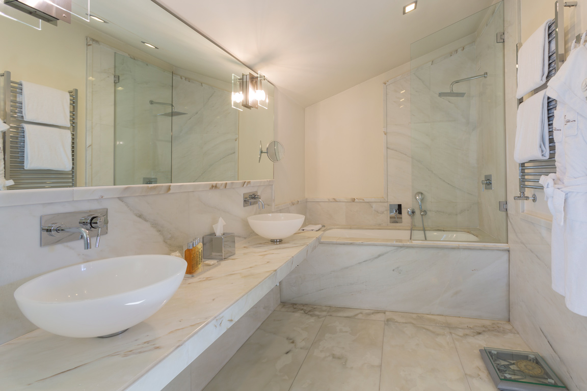 Grand Hotel Principe Di Piemonte Bathroom