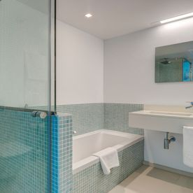 Shower Room Apartments Illa D'or