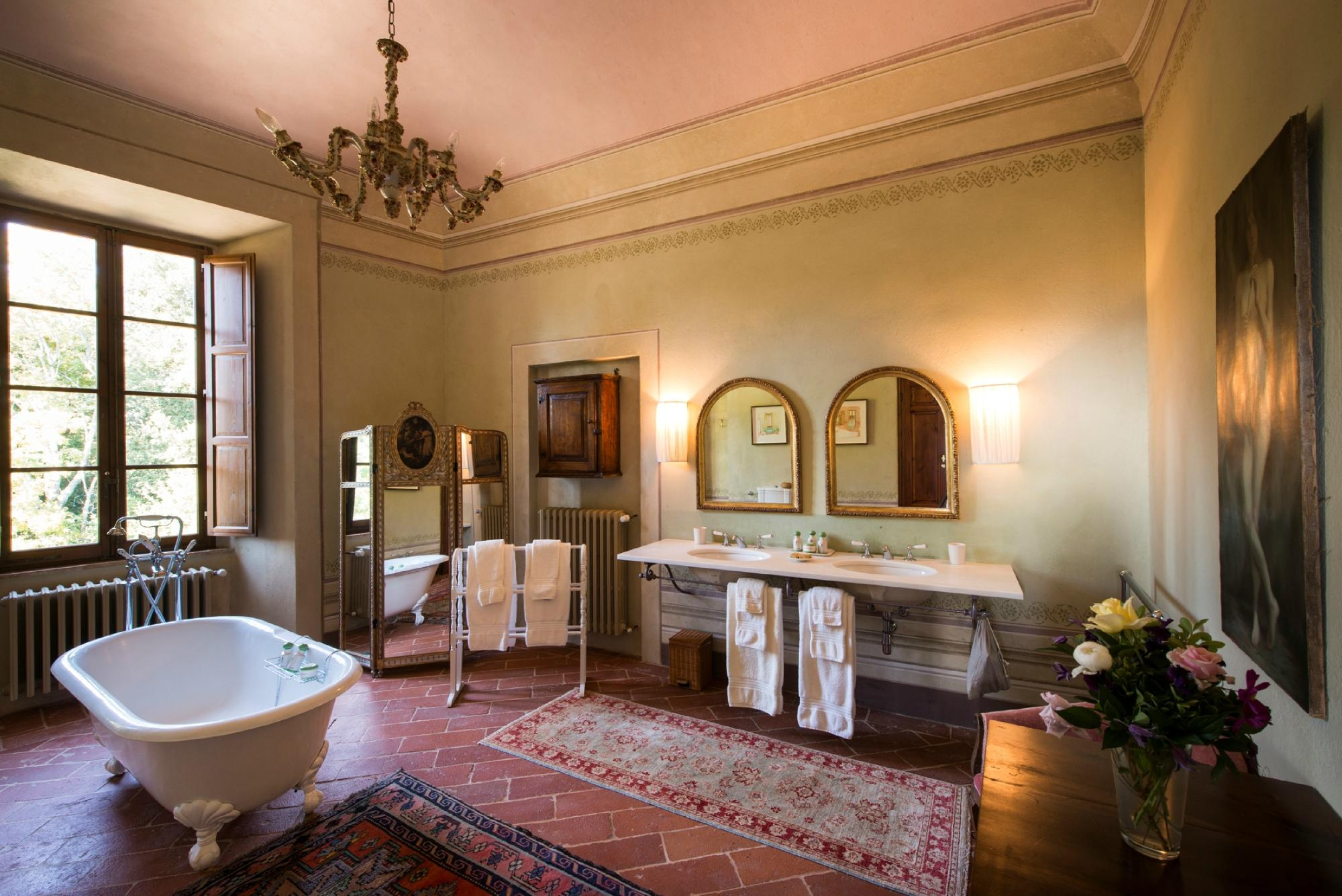 Borgo Pignano Bathroom