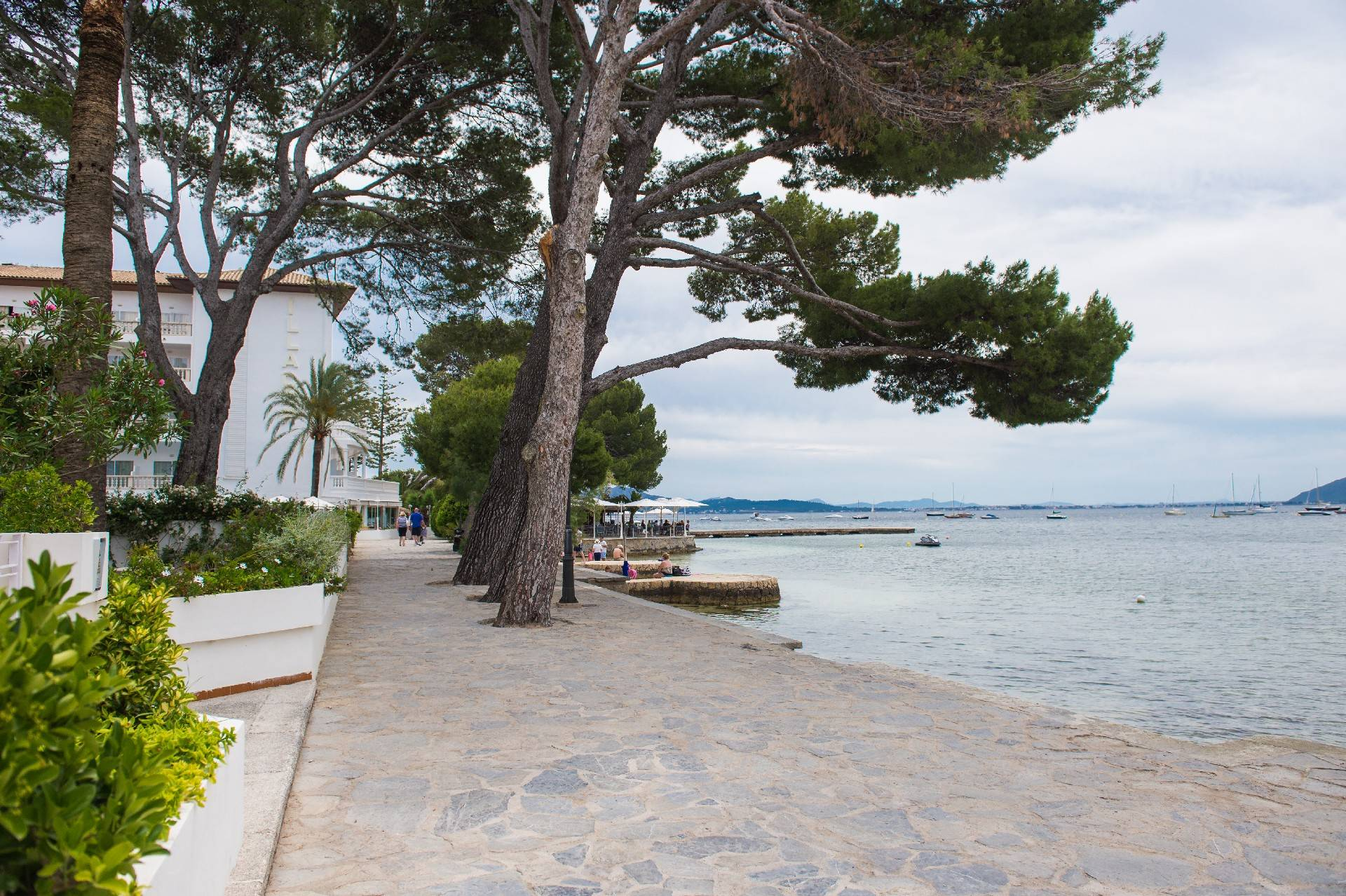the-pine-walk-hotel-illa-d'or-puerto-pollensa--by-hoposa