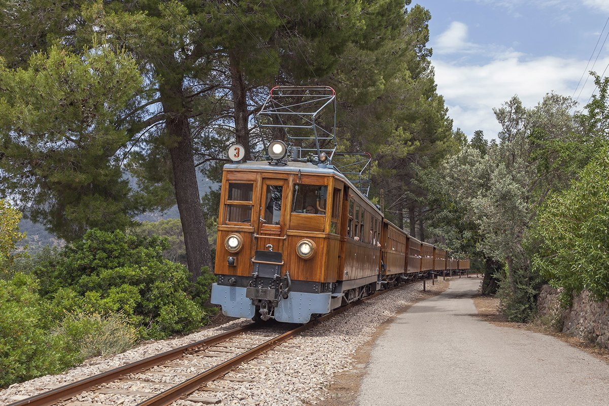 Ferrocarril de Sóller - train on line between Bunyola and Sa Coma