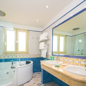 Hotel Del Golfo Bathroom