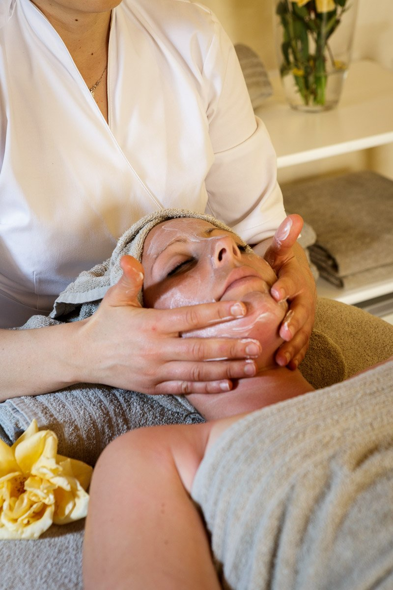 Borgo Pignano Facial Massage